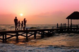 guenstig Urlaub machen - Flugmeilen einloesen fuer Familien